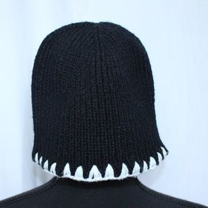NWOT Black And White Knit Acrylic Wool Beanie Hat